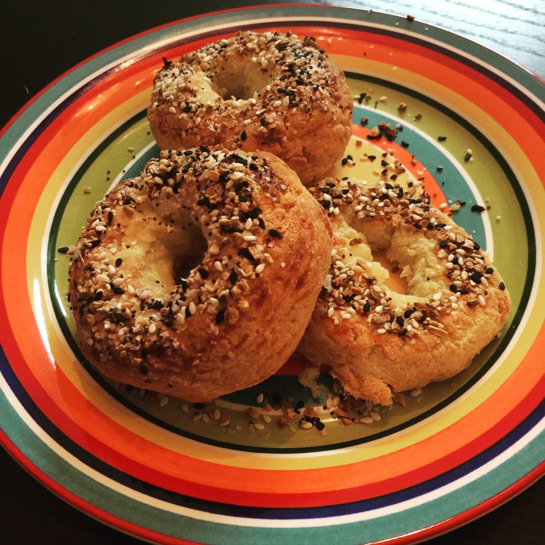 bagels with everything bagel seasoning