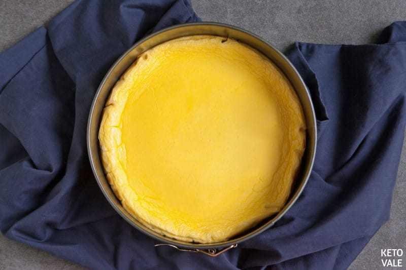 baking new york cheesecake
