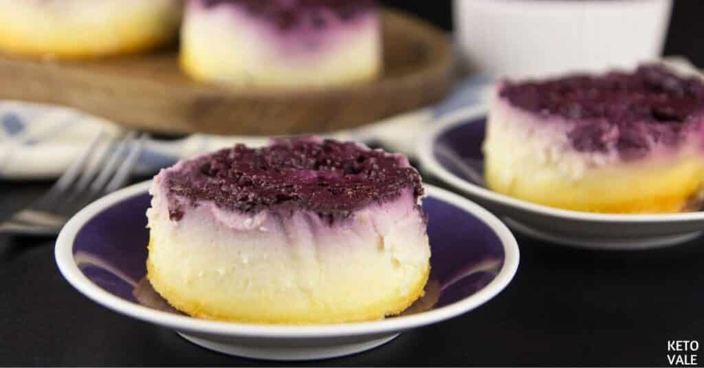 mini blackberry cheesecake