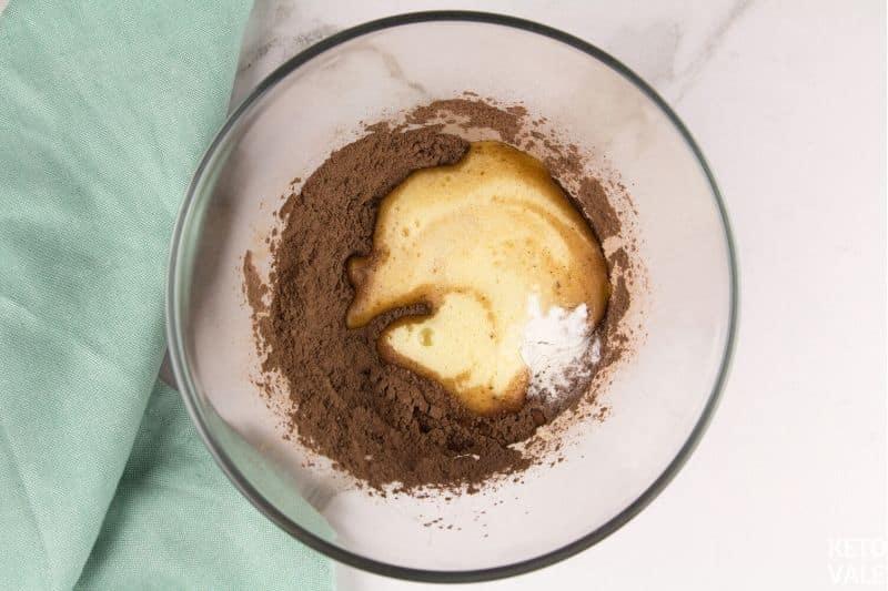 whisk egg erythritol cocoa