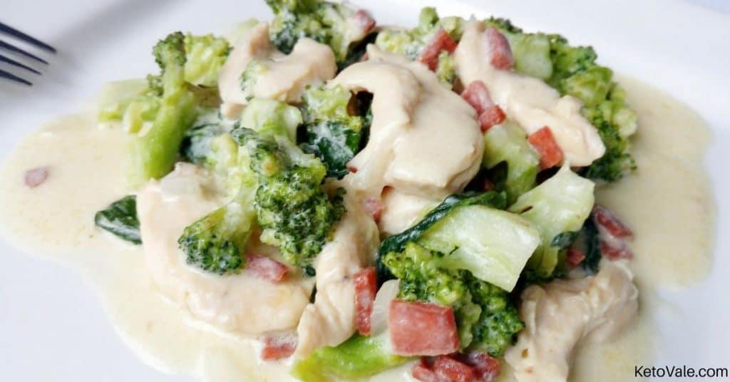 Chicken Alfredo with Broccoli