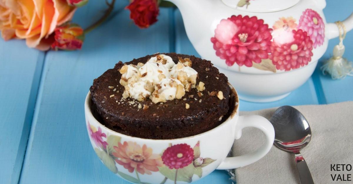 5-Minute Keto Chocolate Cake in a Mug Low Carb Recipe ...