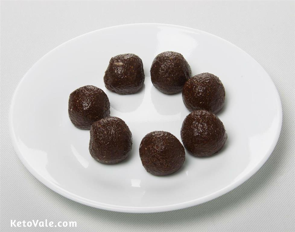 Making chocolate balls