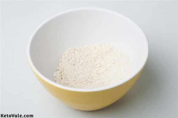 Mix baking powder, sweetener, coconut flour and protein powder