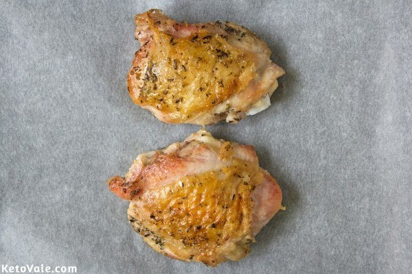 Bake chicken thighs in oven