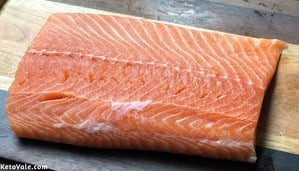Wash and dry salmon filet