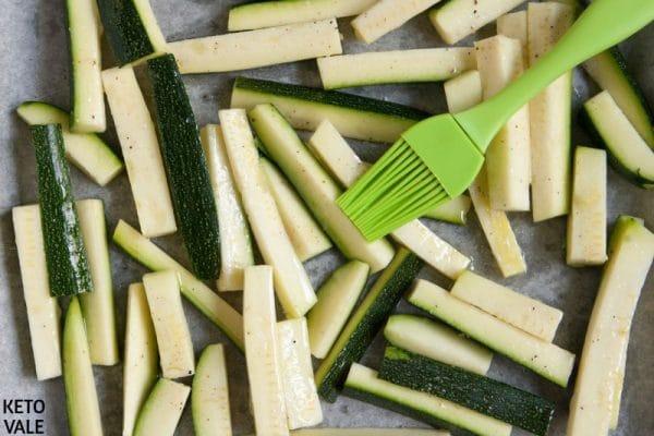 Baking zucchini chips