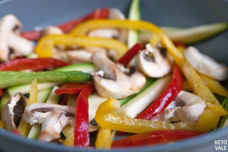 slice mushroom zucchini bell pepper