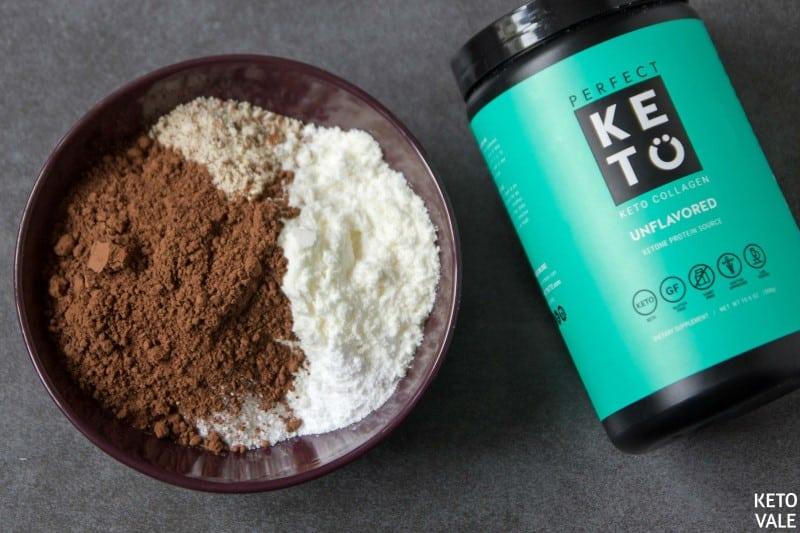 mix collagen cocoa powder almonds