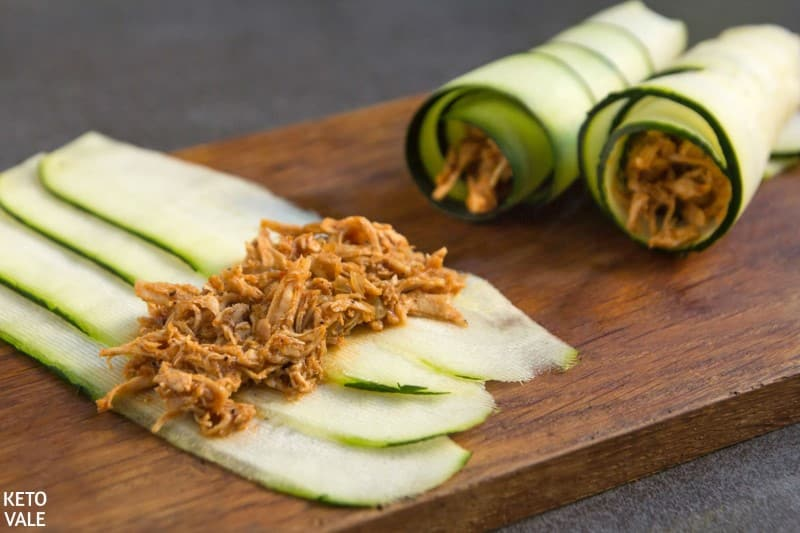 roll zucchini with chicken