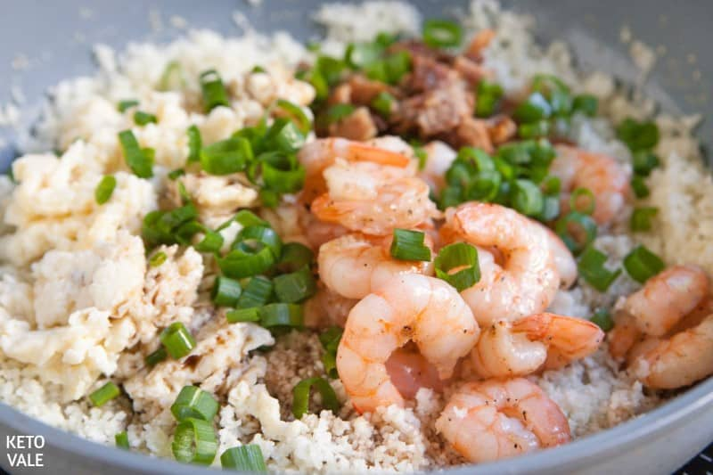 stir shrimp with bacon egg cauliflower