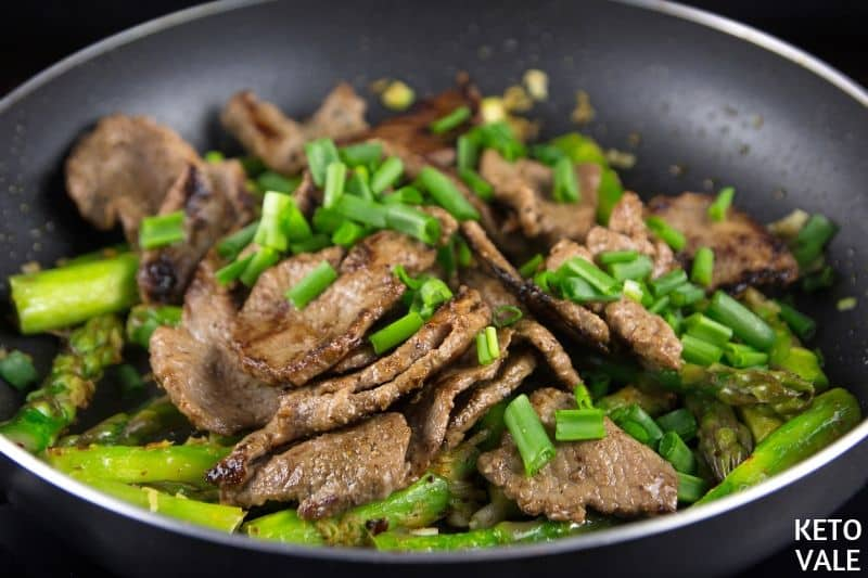 mix cooked beef asparagus