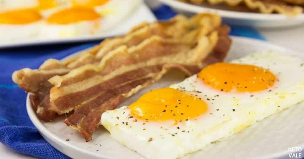 cook bacon eggs in oven