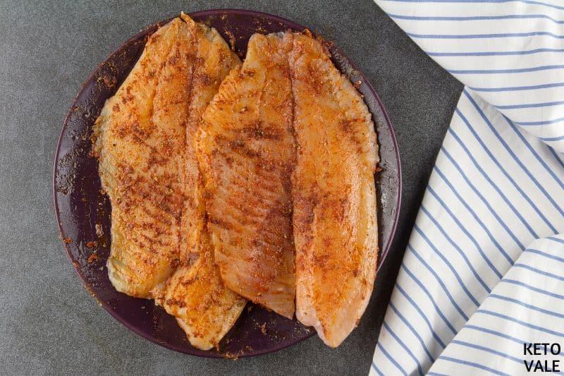 apply oil seasoning fish fillet