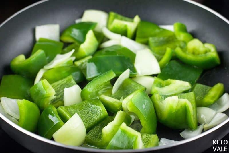 cook green pepper onion