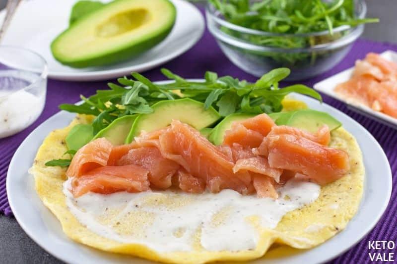 cut salmon avocado