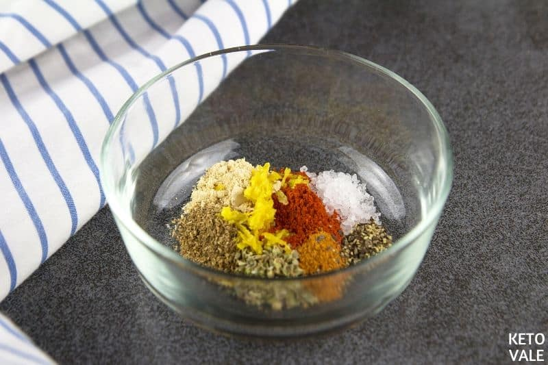 mix paprika garlic coriander chilli