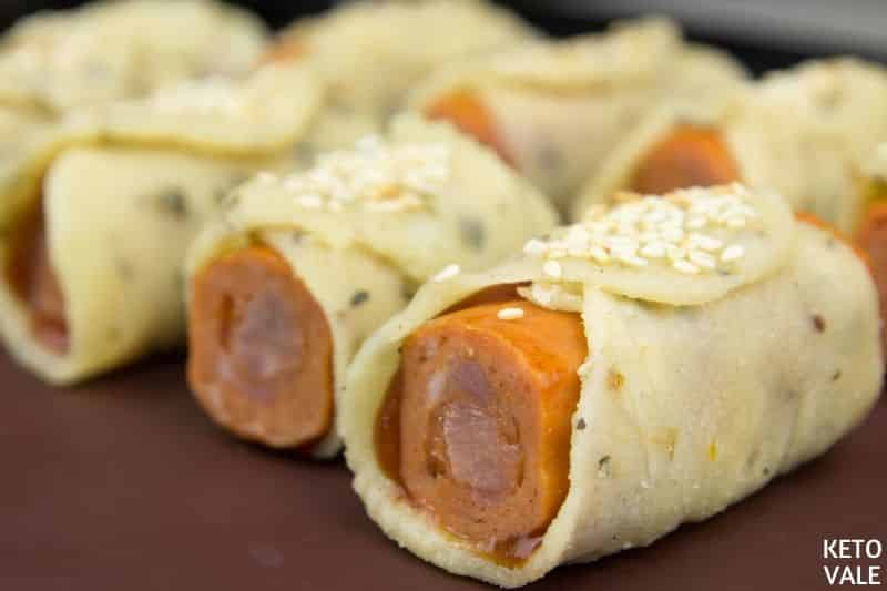 bake hot dogs sprinkle sesame
