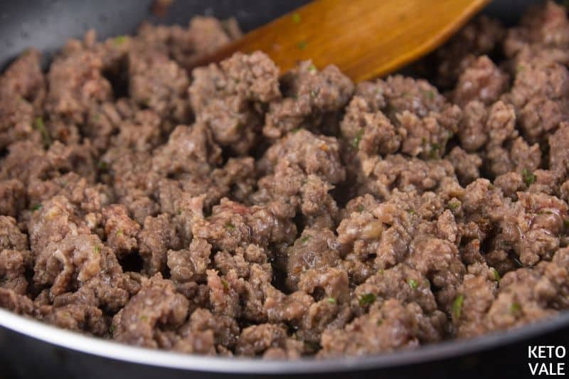 cook meat parsley spices