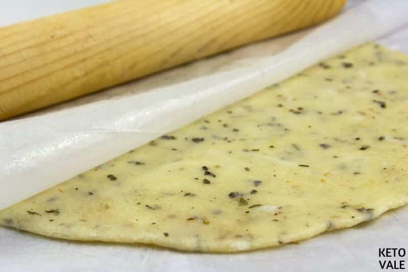 knead roll dough