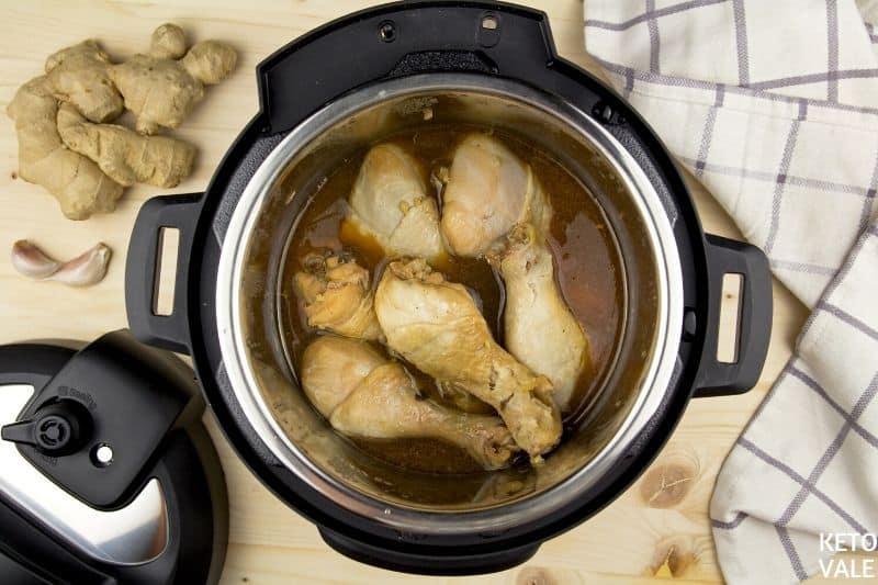 making chicken sauce