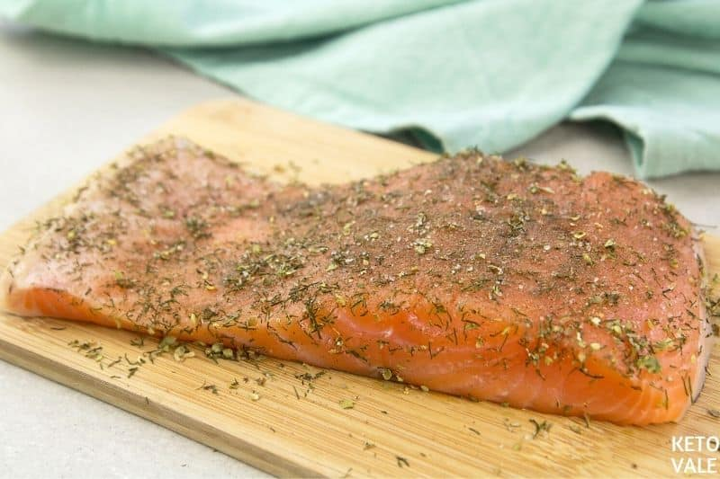 rub salmon herbs salt