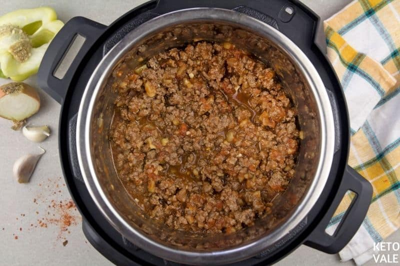add sauce to ground beef